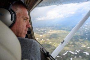 Åge Ensrud fra Gjøvik og Toten Flyklubb er observatør på skogbrannflyet